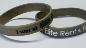 Metallic silicone wristbands: express your personality!