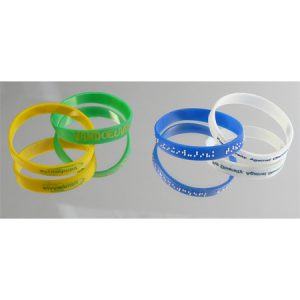 How-to-customize-your-silicone-wristbands-interlace-wristbands