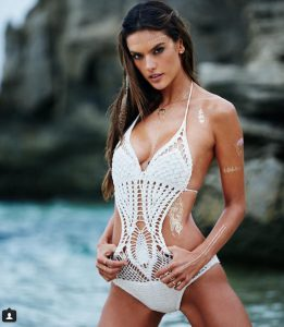 Alessandra-Ambrosio-s-golden-temporary-tattoos-1